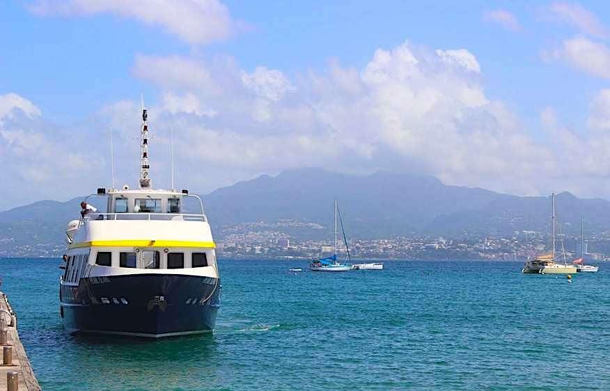Renaissance martinique bateau vedette transport martime
